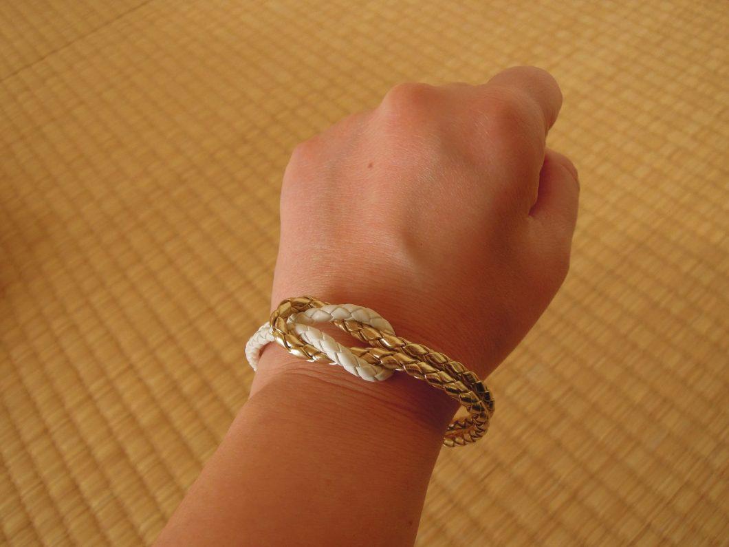 財運金蛇白蛇ブレスで金運神社の御神体パワーを確かめてみました!?